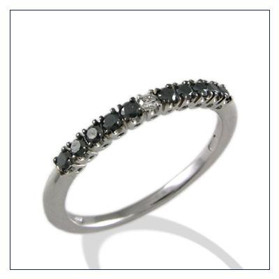 anelli con diamanti neri