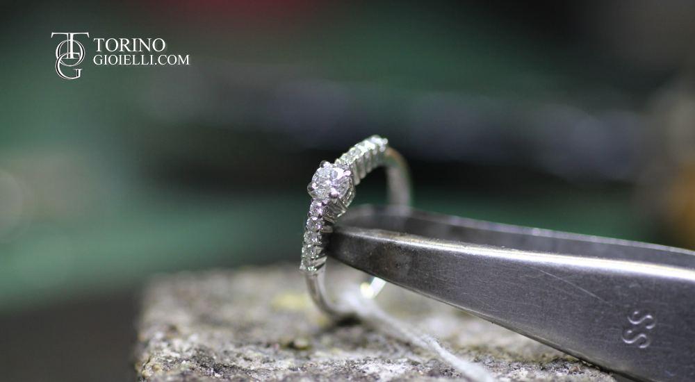 anelli con diamanti prezzi