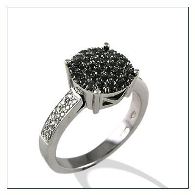 anello pave con diamanti neri